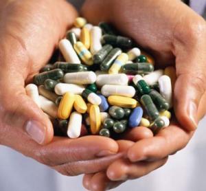 http://www.top30.com.br/news/wp-content/uploads/2009/07/medicamentos.jpg-300x278.png