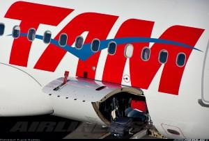 tam-airlines-airbus-a320-pr-mbg